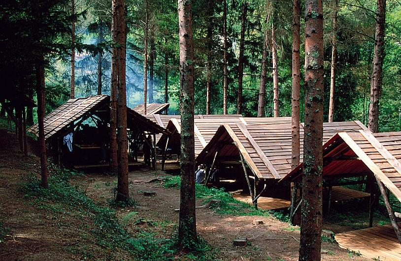 Village carbets - Unusual Accommodation - Domaine Oz'Arbres